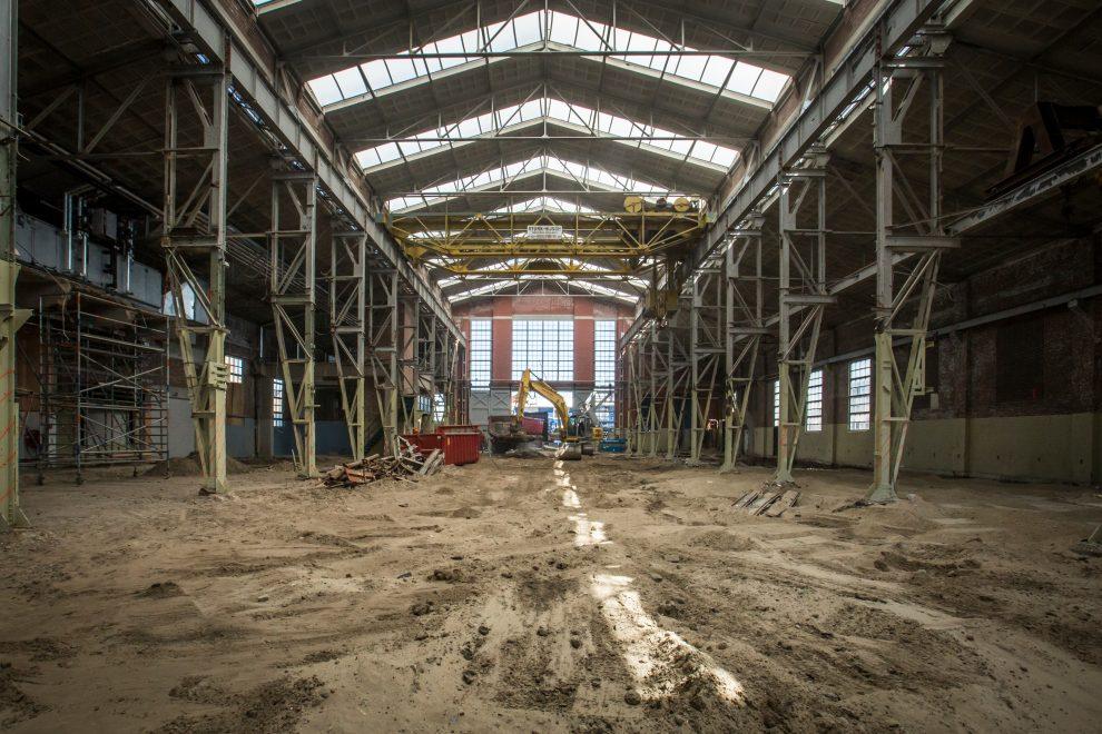 De bouw van de schouwburg is begonnen